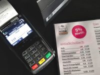 Mit Bankomat- und Kreditkarte im forty nine bezahlen